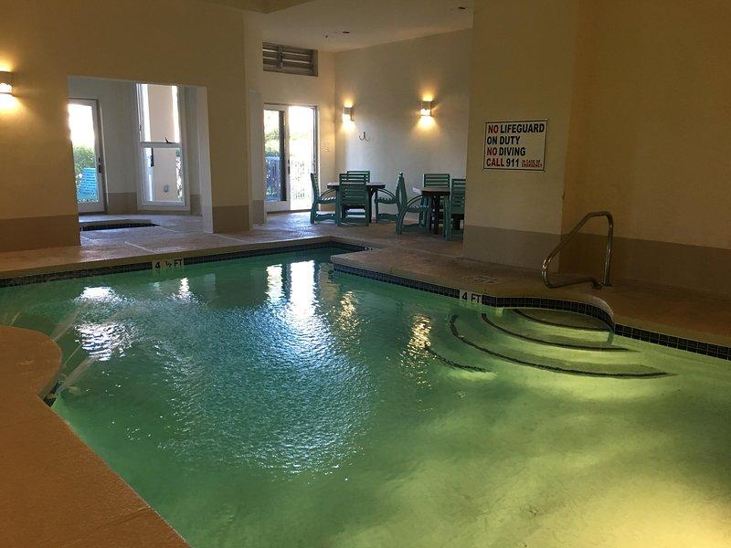 Water,Pool,Flooring,Swimming Pool,Floor
