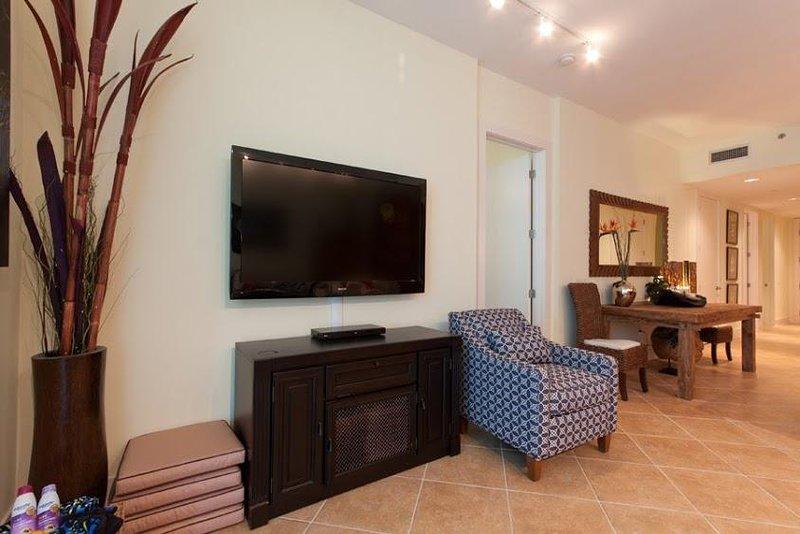 Furniture,Chair,Screen,Flooring,TV