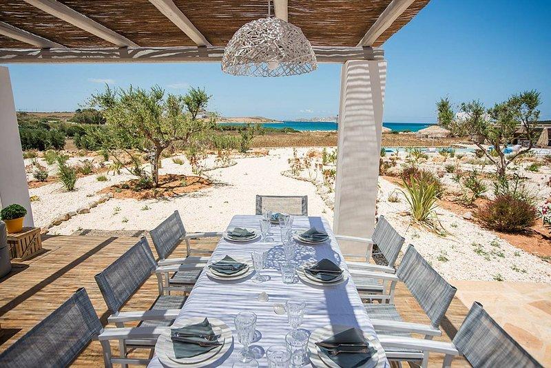 White Sands Happy  · Hip family pool villa, a walk from the beach, aluguéis de temporada em Santa Maria