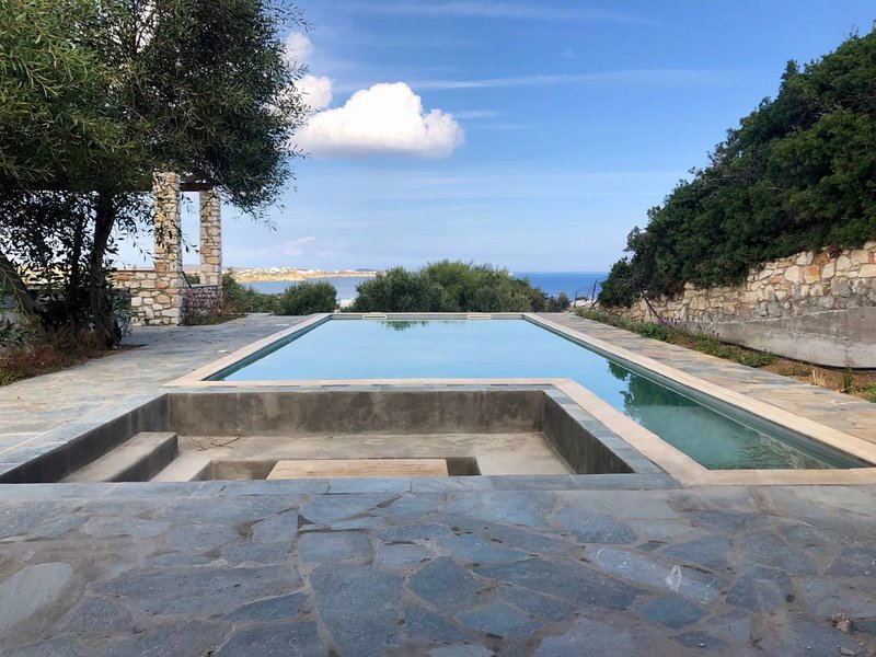 Villa Alkyoni · Beautiful 8-person Family Villa with Great Views, holiday rental in Ampelas
