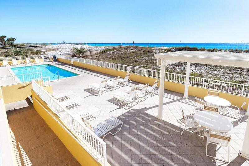 Gulf Dunes Resort, Unit 107, holiday rental in Fort Walton Beach