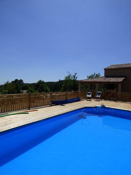 Maison 82m² avec piscine, casa vacanza a Payzac