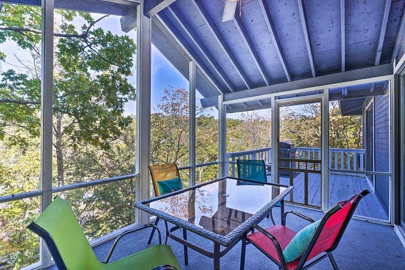 A propriedade fica na propriedade Tan-A-Tar, na vizinha Margaritaville Resort.