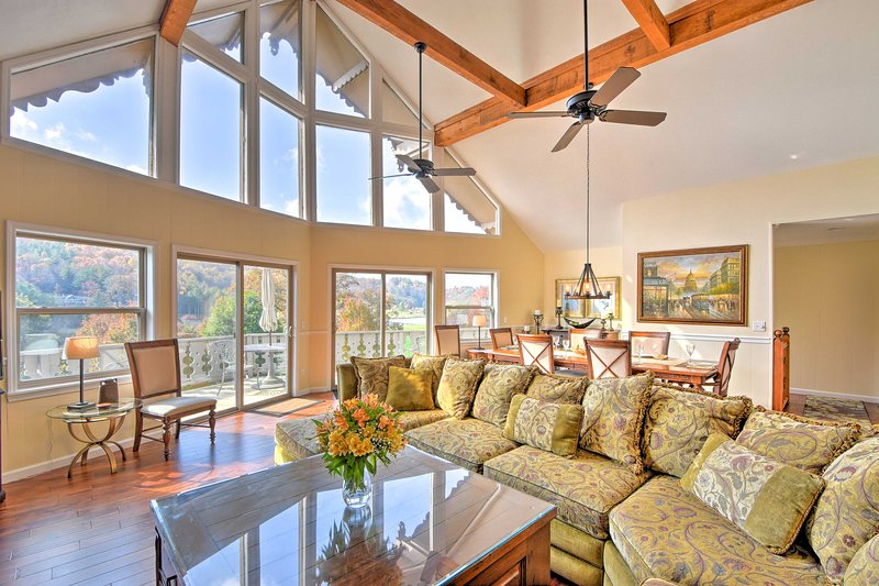 Picturesque 'Sky Haus' Sanctuary w/ Mountain Views, vacation rental in Dillard