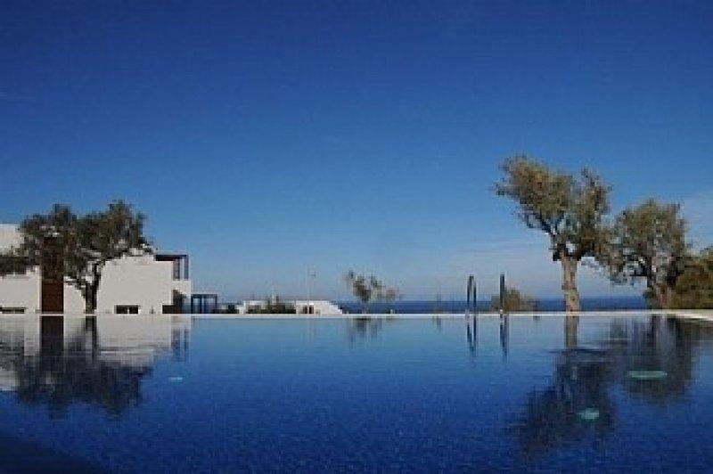 Penthouse With Breathtaking Panoramic Views of Mediterranean sea - pool, holiday rental in Tatlisu