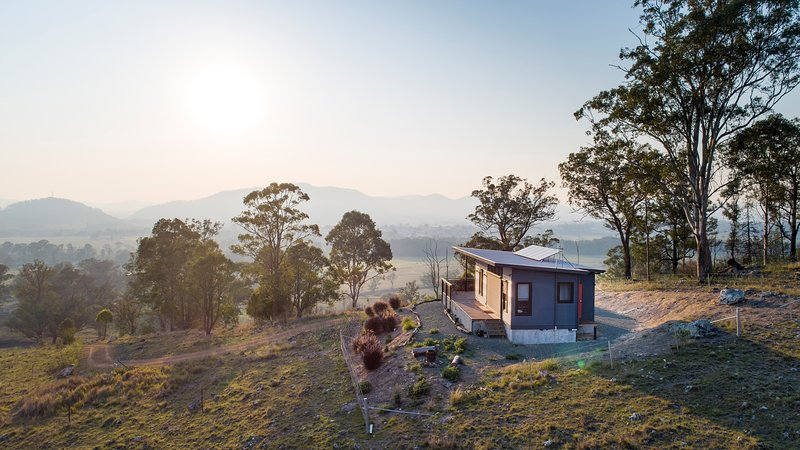 The Ridge Eco-Cabin 'A Secret Place to Slow Down', holiday rental in Barrington