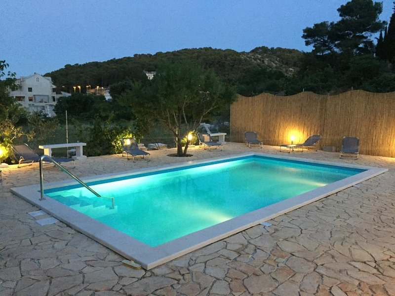 Apartments Kalajzic- One-Bedroom Apartment with Terrace(A3) (ST), vacation rental in Pucisce