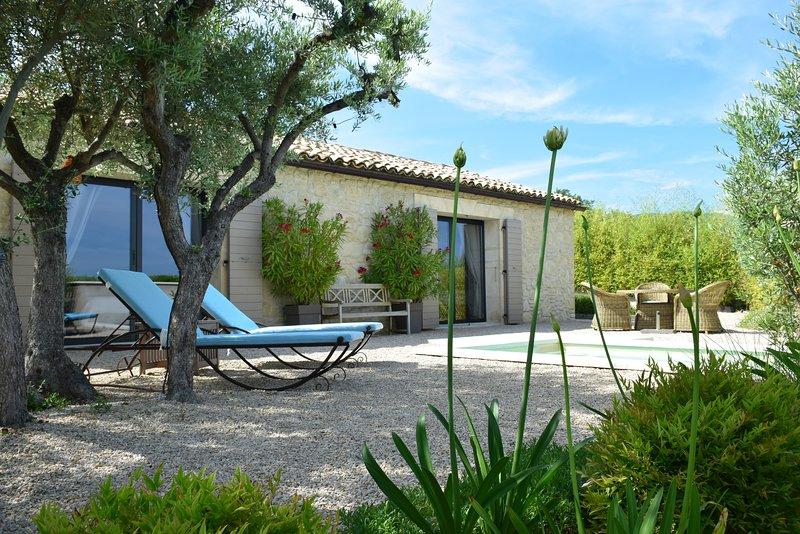 LE MAZET D EMILIA avec piscine privée en pleine campagne, aluguéis de temporada em Saint-Martin-de-la-Brasque