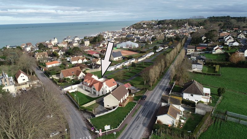 Villa Gold Beach at Tracy sur Mer Gite 20 personnes, holiday rental in Asnelles