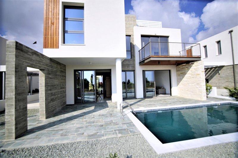 Brand New Modern Villa 2, vacation rental in Empa