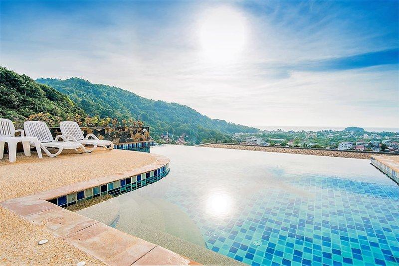 Cassia White Apartment, Phuket, Thailand, vacation rental in Ban Kata