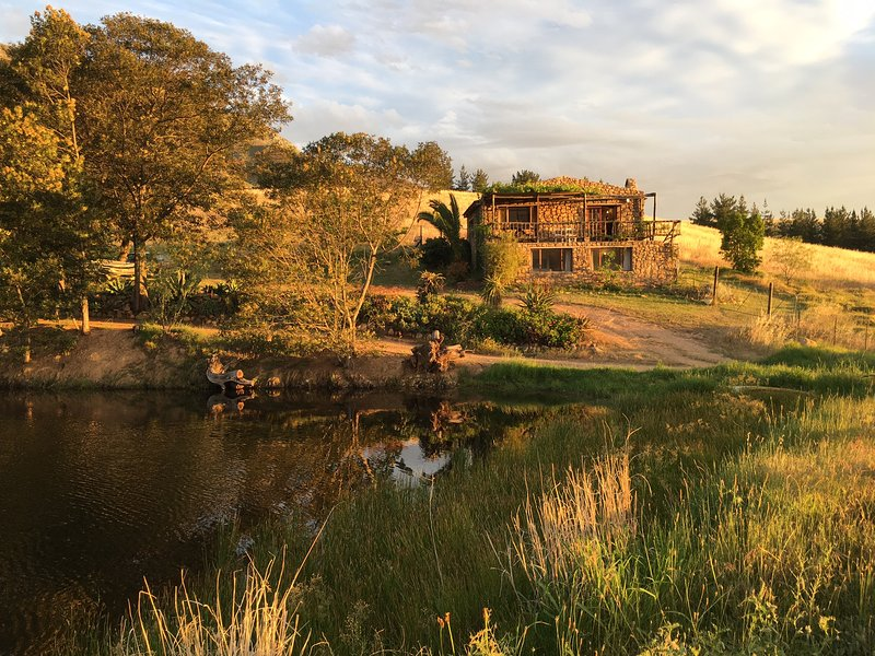 Vistas de Kliphuis y su presa