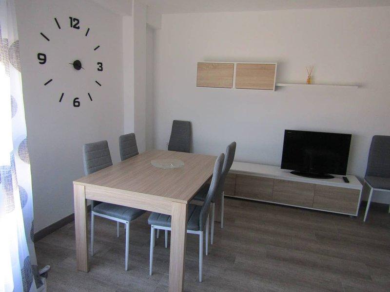 Beautiful apartment in Benetúser, holiday rental in Montserrat