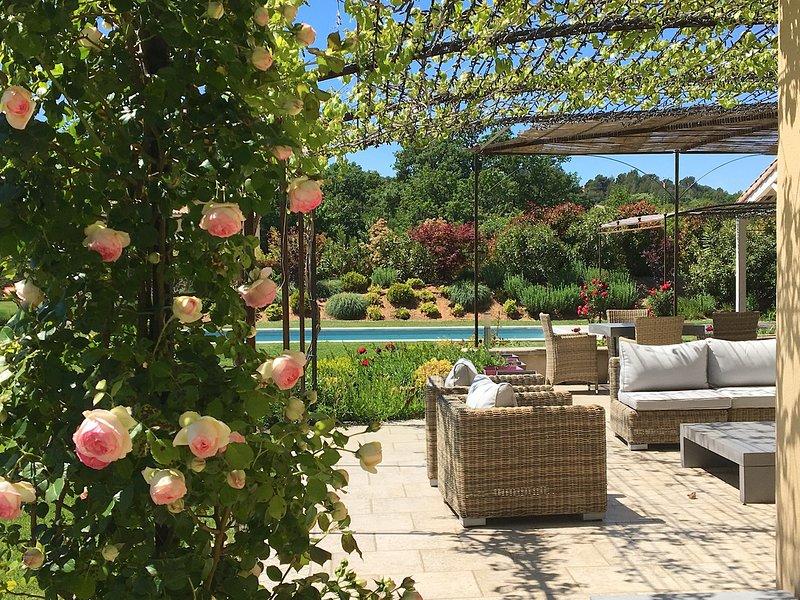 Maison Marula:A Private Estate from which to enjoy the best Experiences of the, aluguéis de temporada em Saint-Saturnin-les-Apt