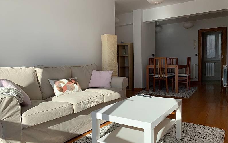 Espectacular apartamento con vistas al Cantábrico, vacation rental in San Vicente de la Barquera