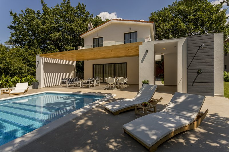 This villa provides a nice getaway from city life surrounded by unspoiled nature