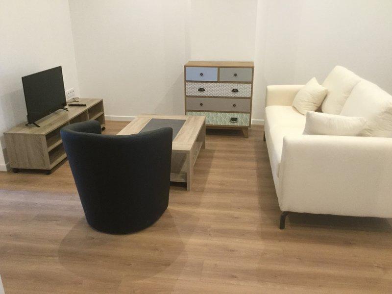 3 chambres en lit double, 6 personnes , dans appartement complètement rénové, aluguéis de temporada em Orcines