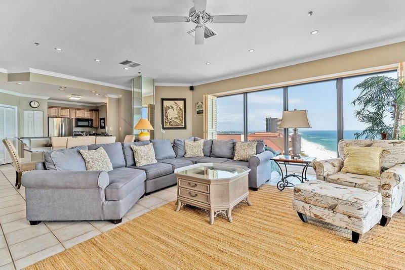 Seachase 1601 W! Beachfront Penthouse! Spacious for the family!, vacation rental in Orange Beach