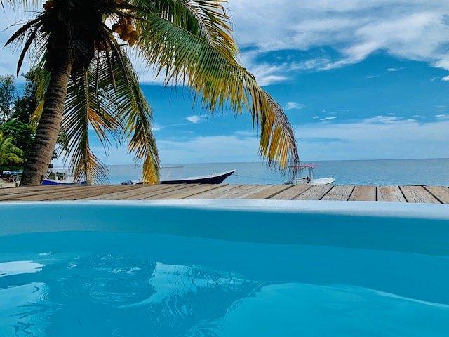 Villa Paz pool and beach
