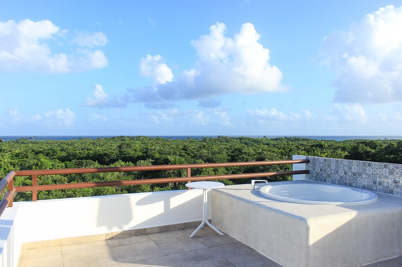 Great 2-bedroom Condo with Fantastic Jungle View, vacation rental in Akumal