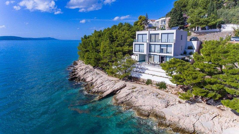 Beautiful Villa Puntin, in Dalmatia, casa vacanza a Drvenik