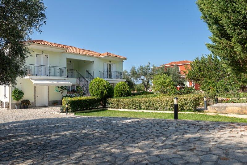 Vista Verde Studio II, vacation rental in Svoronata