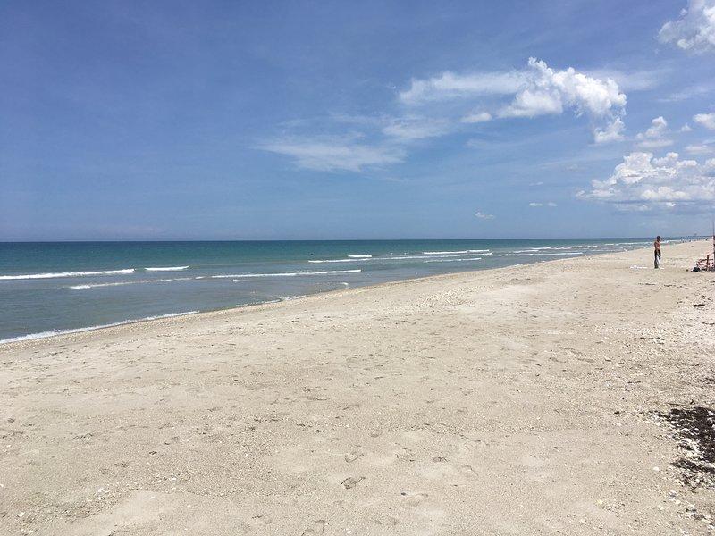 Vista sur de la playa