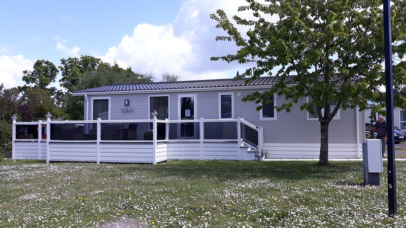 A luxury 6 berth Lodge, holiday rental in Horton