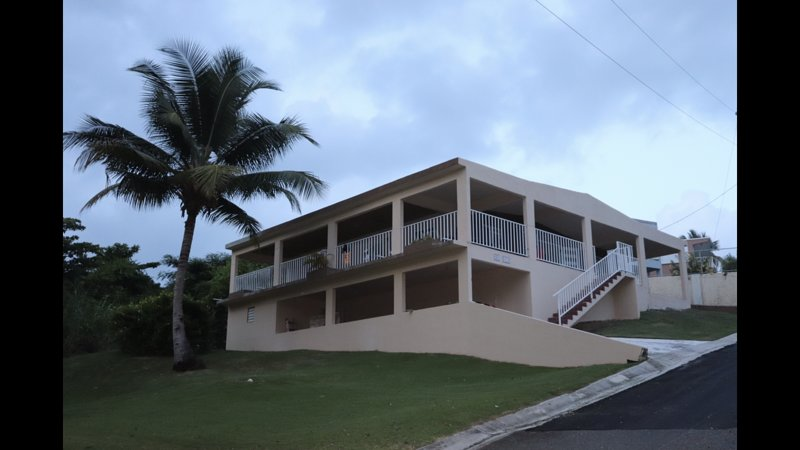 Relaxing, Beach Vacation at The Ohio House, vacation rental in Yabucoa