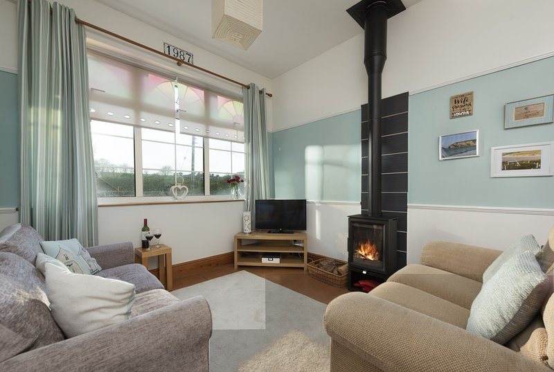 The Annexe at Vale House - A cosy pet-friendly annex close to Portreath beach wi, holiday rental in Whitehall