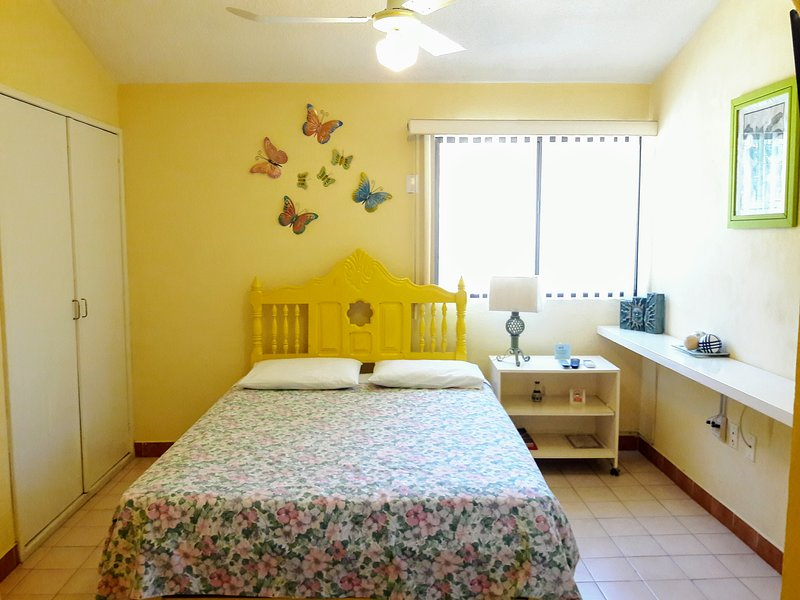 I GOOD LOCATION AND PRICE, NICE, CLEAN AND COMFORT, location de vacances à La Paz