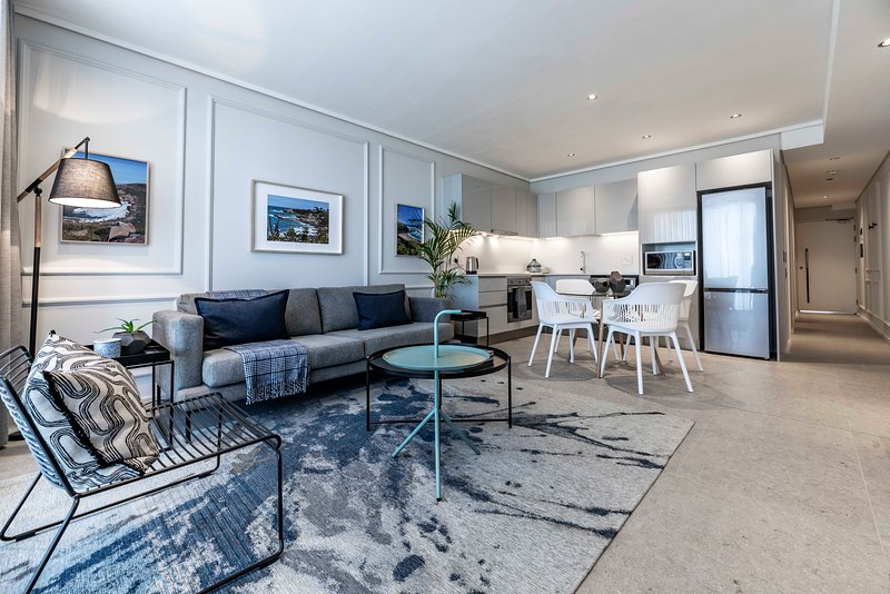 404 The Cosmopolitan, Sea Point, vacation rental in Bantry Bay