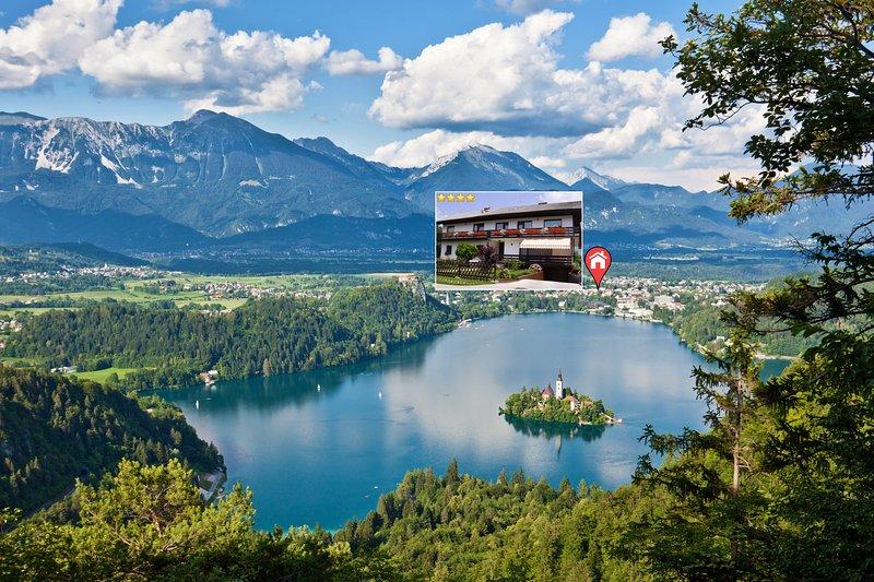 Lake Bled en de locatie van onze accommodatie.