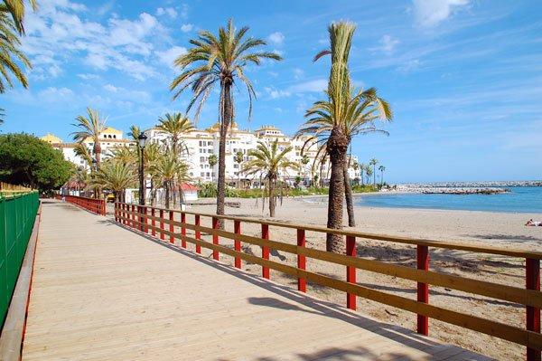First line beach apartment in San Pedro playa, alquiler vacacional en San Pedro de Alcántara