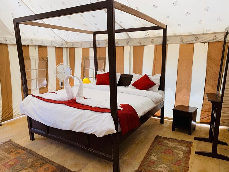 Sam Sand Dunes Swiss Tent, holiday rental in Jaisalmer