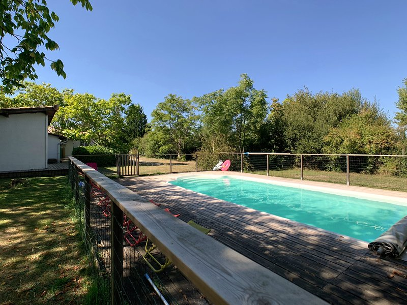 Katalpa: the pool, the garden and the little house