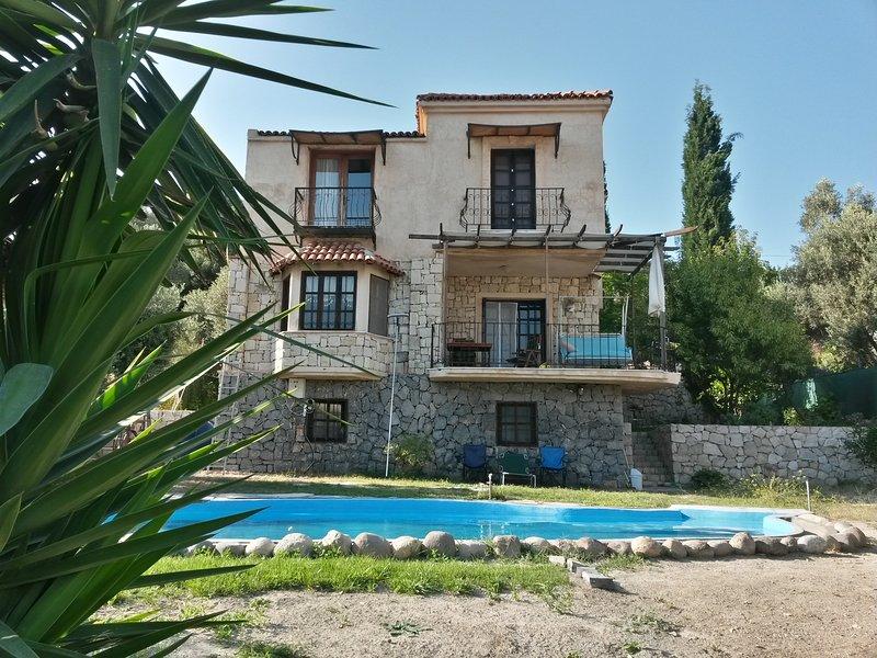 Villa Naturel, at Natural Regional with Pool, location de vacances à Mordogan