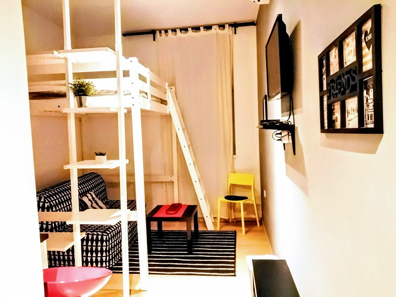 Cosy studio Adro in Center Of Zagreb, with the private parking,, vacation rental in Zagreb