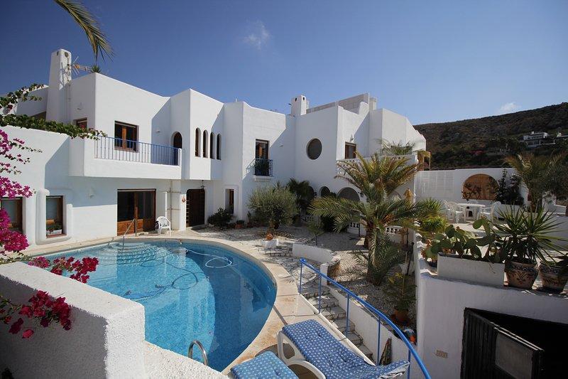 Casa con piscina, holiday rental in Agua Amarga