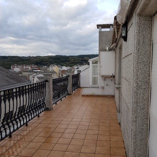 Nice apt with terrace, location de vacances à O Corgo