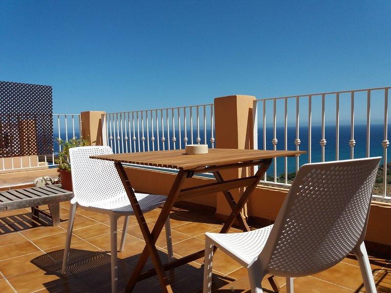 Nice apt with pool access & terrace, holiday rental in Playa Macenas