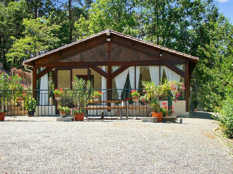 Beautiful house with garden, alquiler de vacaciones en Le Bugue
