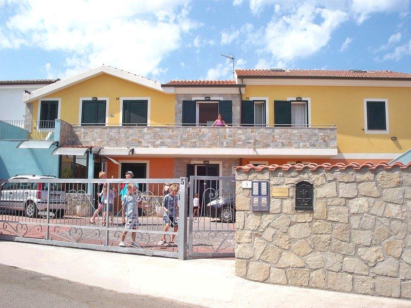 Terrazze sul Mare alla Ciaccia - Appartamento 5, holiday rental in La Ciaccia