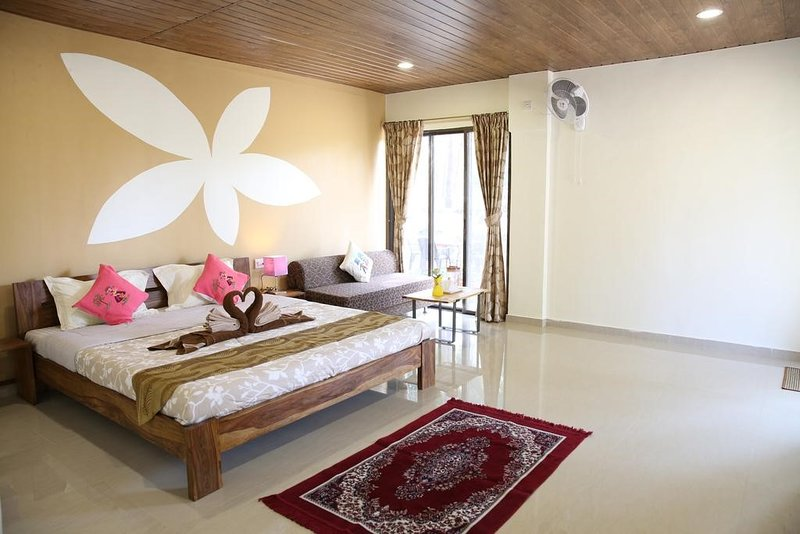 104 - Ocean View - La Mer Beach House, vacation rental in Raigad District