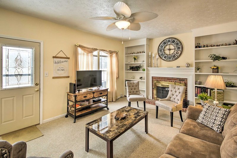 Cozy Home w/Spacious Yard & Patio by Indianapolis!, vacation rental in Noblesville