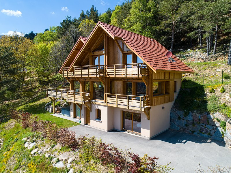 CHALET ANDASKA, CHALET-SPA DE LUXE, 5 ETOILES, vacation rental in Soultzeren