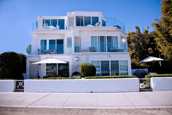 Designers Dream - Upscale Mission Beach Front - On The Bay - 3/3 - Sleeps 7, holiday rental in San Diego