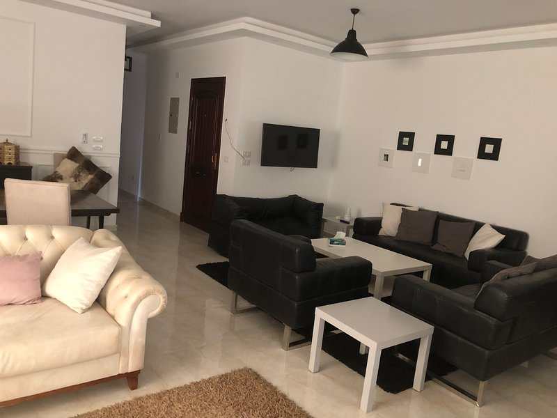 Elite Royal Five Stars, location de vacances à Al Rehab