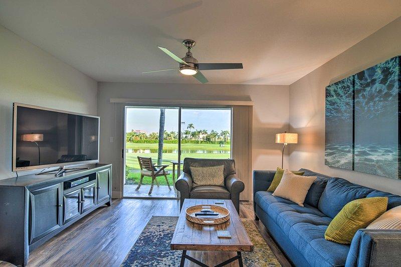 Modern Isla Del Sol Condo: Walk to St. Pete Beach!, vacation rental in Tierra Verde
