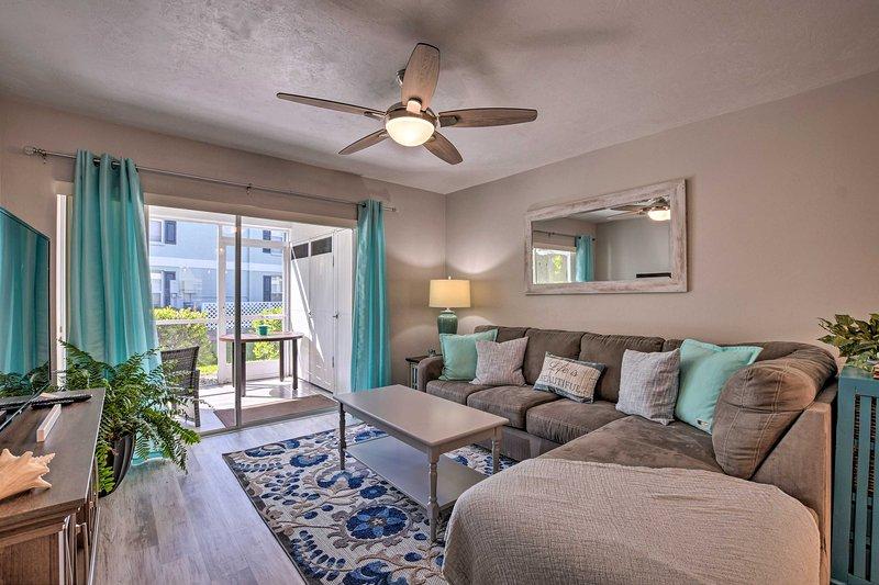 Plan your coastal retreat to this 2 bedroom, 2 bathroom condo.